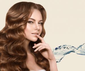 gyönyörű hajú nő